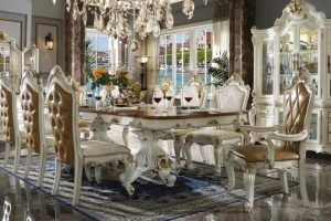 CHOPIN DINING TABLE